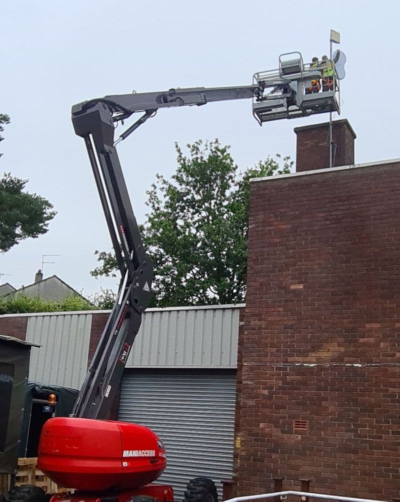 Cherry picker to install Ubiquity AF5 Airfiber